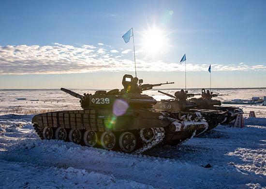 Около 1000 военнослужащих ЦВО начали состязания в отборочном этапе конкурса «Танковый биатлон»