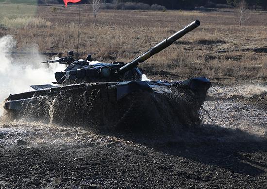 В ЦВО проходят окружные этапы конкурсов «Танковый биатлон» и «Суворовский натиск»